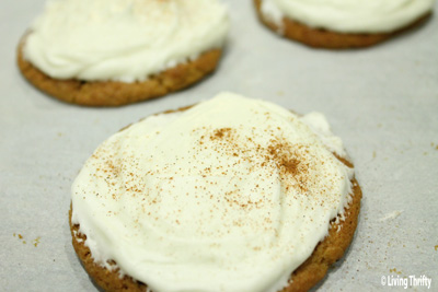 Easy Cream Cheese Frosting for the Holiday